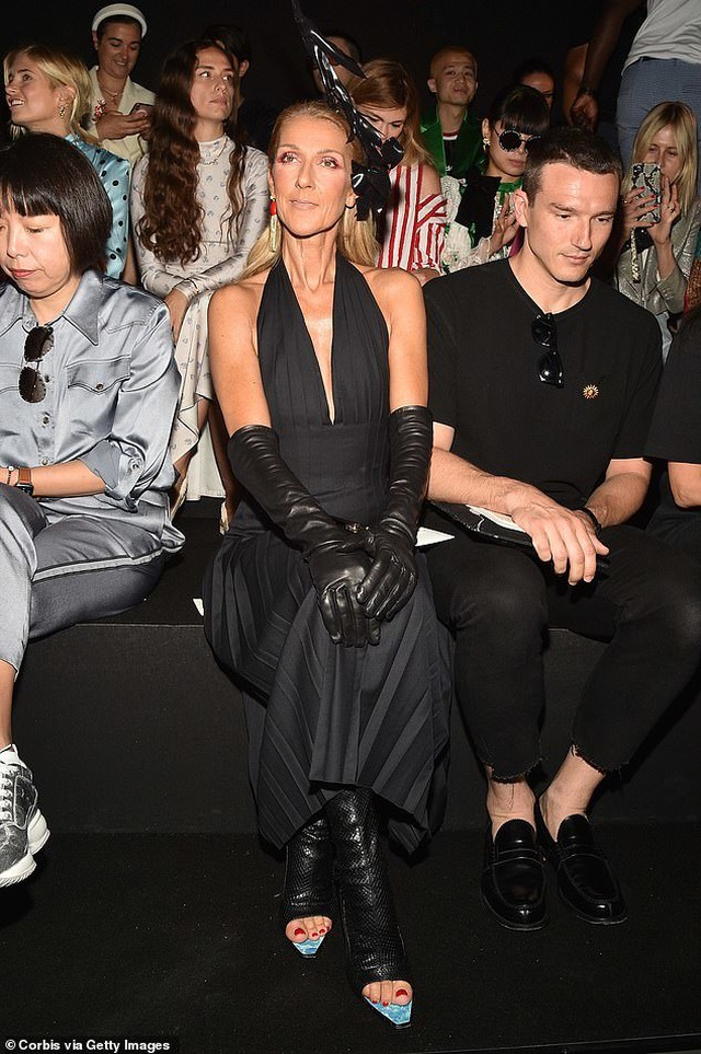 Celine Dion nổi bật tại tuần lễ thời trang Paris - 11