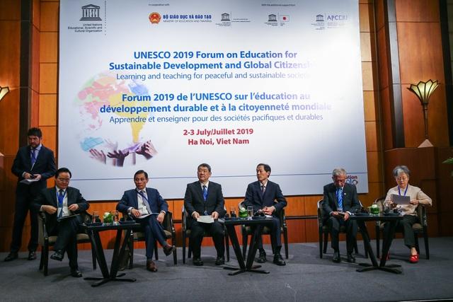 """Bộ trưởng Phùng Xuân Nhạ: """"Giáo dục là con đường dẫn đến sự thay đổi"""" - 1"""