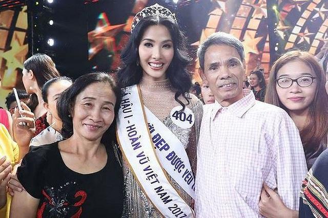 Hoàng Thuỳ tiết lộ số đo 3 vòng của em gái đẹp hơn mình - 9
