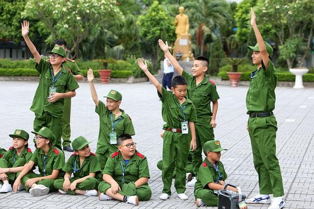 Công an Hà Nội dạy trẻ em ứng phó tình huống bắt cóc, xâm hại - 13