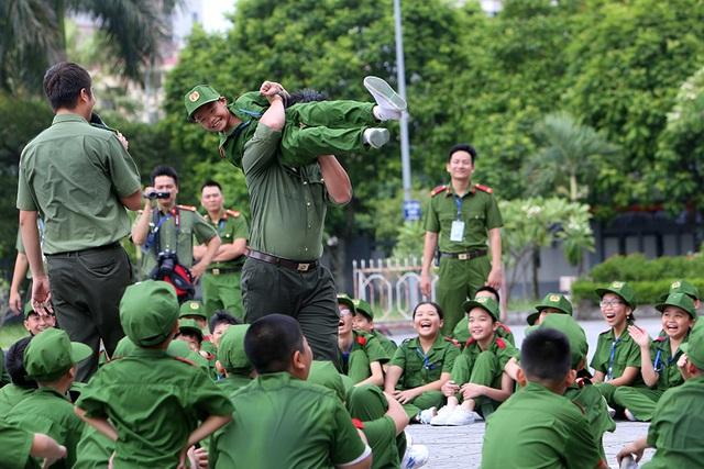 Công an Hà Nội dạy trẻ em ứng phó tình huống bắt cóc, xâm hại - 9