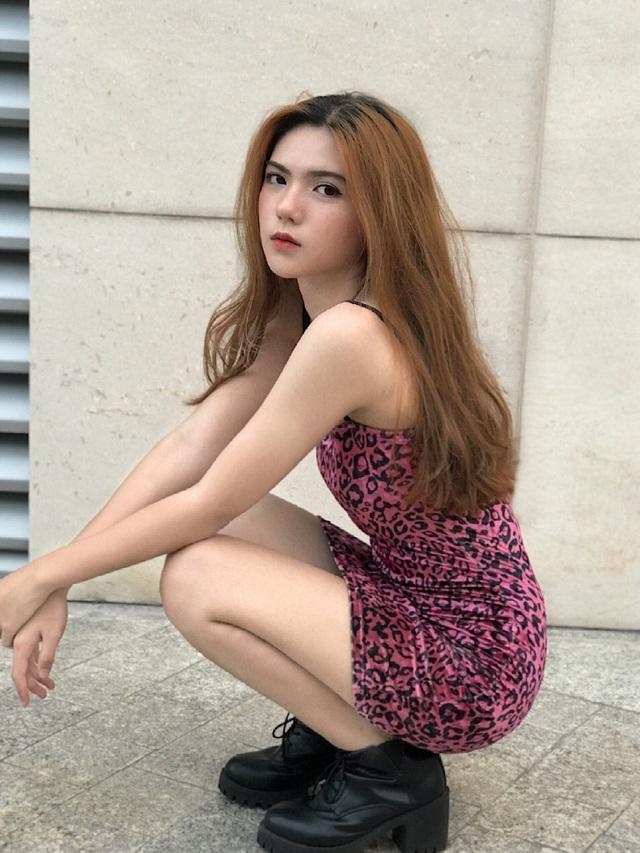 Hot girl 16 tuổi mặt đẹp như tạc nhưng hầu như không cười khi chụp ảnh - 5