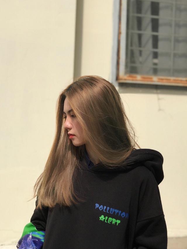 Hot girl 16 tuổi mặt đẹp như tạc nhưng hầu như không cười khi chụp ảnh - 8