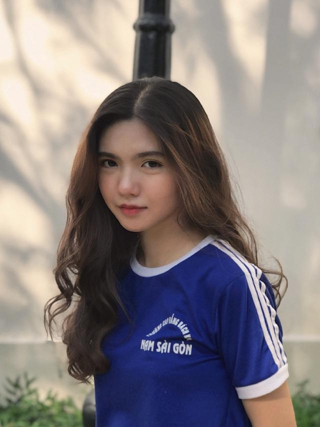 Hot girl 16 tuổi mặt đẹp như tạc nhưng hầu như không cười khi chụp ảnh - 9