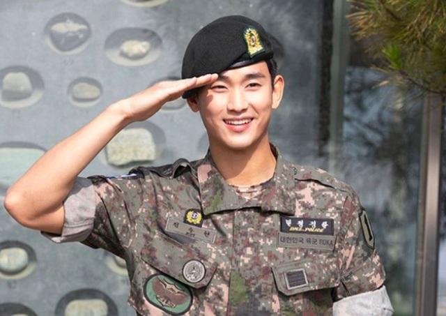 """Tài tử """"Vì sao đưa anh đến"""" Kim Soo Hyun hé lộ kế hoạch sau xuất ngũ - 1"""