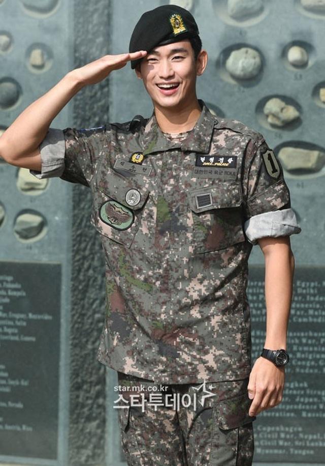"""Tài tử """"Vì sao đưa anh đến"""" Kim Soo Hyun hé lộ kế hoạch sau xuất ngũ - 15"""