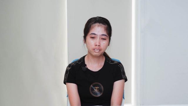 Rơi nước mắt với câu chuyện ngặt nghèo của nữ công nhân khiếm khuyết ngoại hình - 1