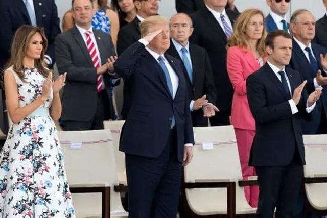 Ông Trump phá lệ ngày Độc lập - 2