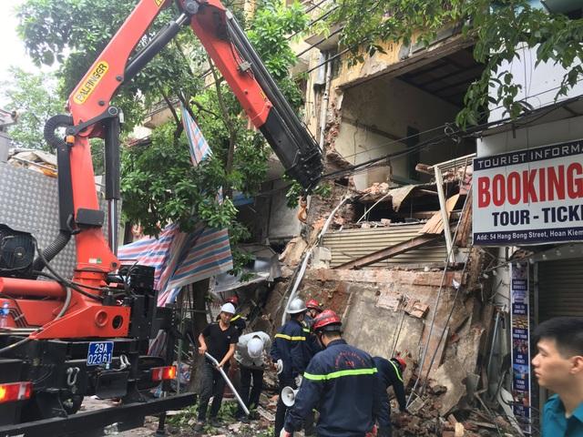Hà Nội: Sập nhà trên phố Hàng Bông - 4