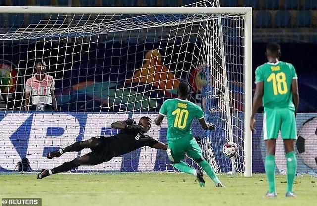 CAN 2019: Sadio Mane lập cú đúp, Senegal giành quyền đi tiếp - 1