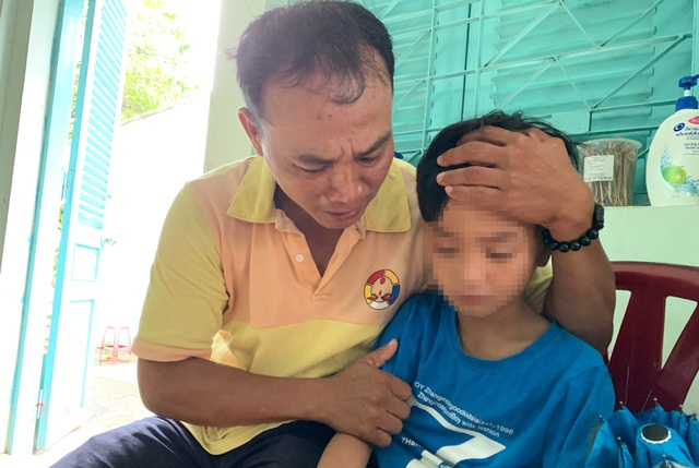 Người cha suốt 4 tháng tìm con trai: Phút trùng phùng đầy nước mắt - 2