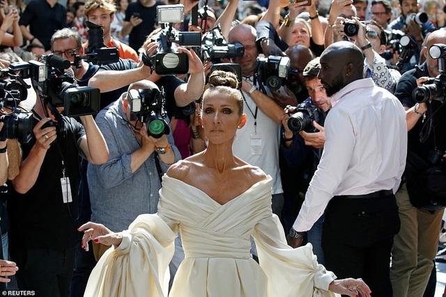 Celine Dion liên tục ghi điểm với gu thời trang sang trọng - 5