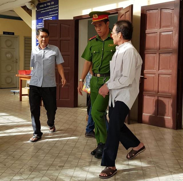 Lĩnh án 18 năm tù vì lừa 9 ngân hàng chiếm 350 tỉ đồng - 1
