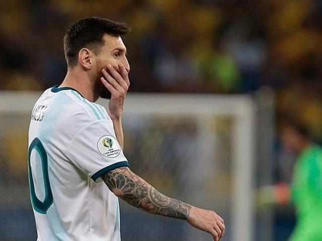 """Messi đau đớn, tố cáo chủ nhà Brazil """"chơi bẩn"""" với công nghệ VAR - 1"""