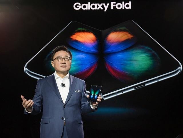 Samsung: Sẽ không ai còn sử dụng smartphone sau 5 năm nữa - 2