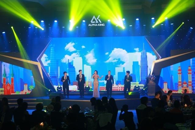 """""""Saigon by Night"""" - Đêm nhạc đẳng cấp dành tặng giới đầu tư Hà Nội - 5"""