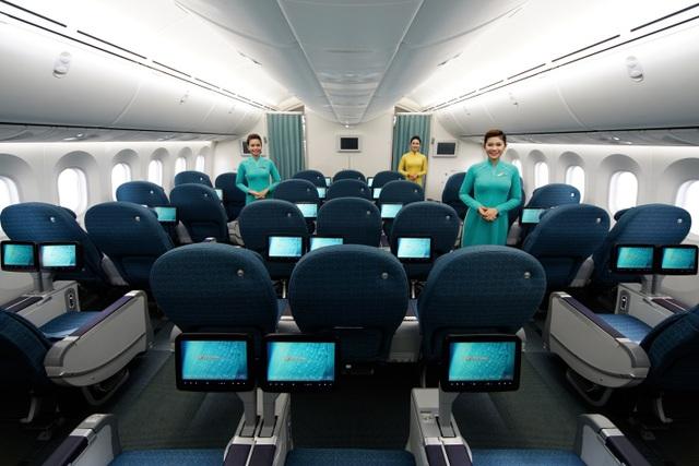 """Vì sao khách mua vé máy bay phổ thông lại được """"hưởng lợi"""" như thương gia? - 1"""