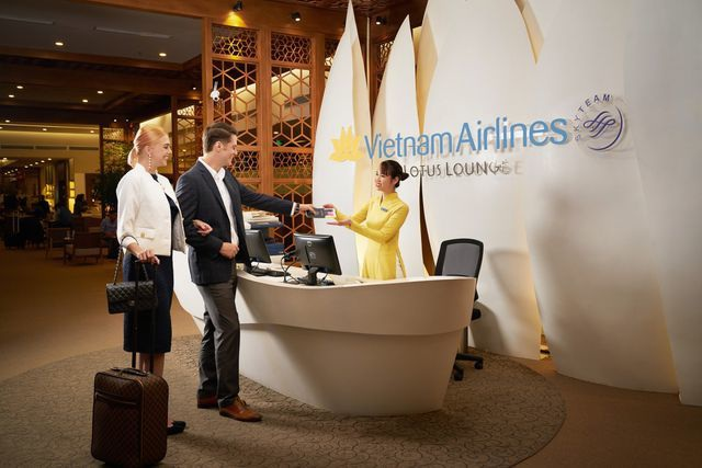 """Vì sao khách mua vé máy bay phổ thông lại được """"hưởng lợi"""" như thương gia? - 3"""