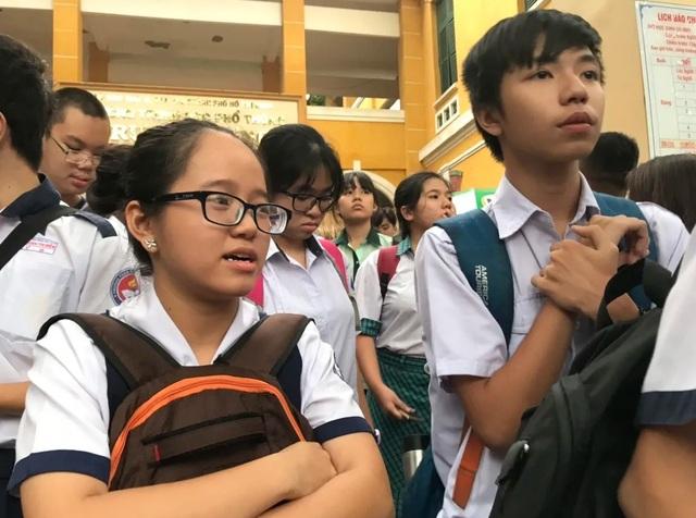 Nghịch lý: Học sinh giỏi + đề hay = Điểm thấp! - 2
