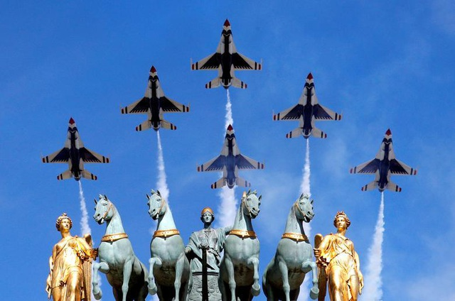 Mãn nhãn lễ duyệt binh của lực lượng quân sự các nước - 1