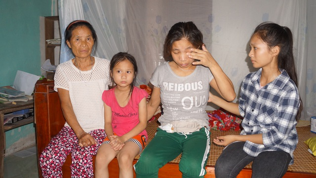 Bố bị bò húc chết, mẹ lâm bệnh nặng,3 đứa trẻ mịt mờ tương lai - 2