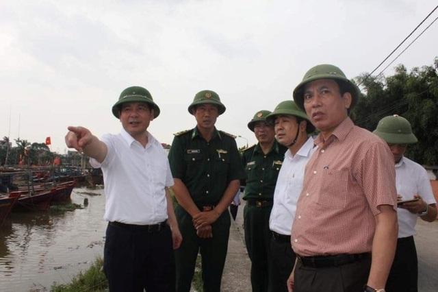 Hải Phòng mưa lớn, biển động; Quảng Ninh giải cứu 8 ngư dân mắc kẹt - 8