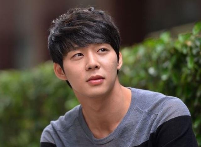 Park Yoo Chun lộ vẻ tiều tụy, bật khóc khi rời trại tạm giam - 10