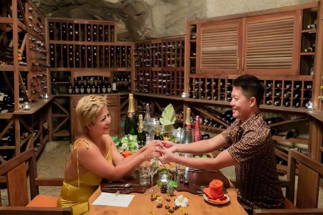 Bà chủ Cafe Mai khiến giới trẻ ghen tị khi tổ chức lễ cầu hôn như cổ tích ở Ninh Vân Bay - 6