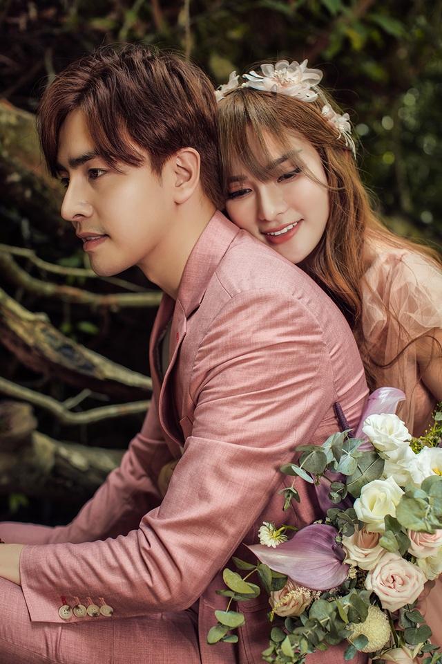 Ca sĩ Thu Thủy tung ảnh cưới, tiết lộ sẽ tái hôn vào tháng 7 - 8