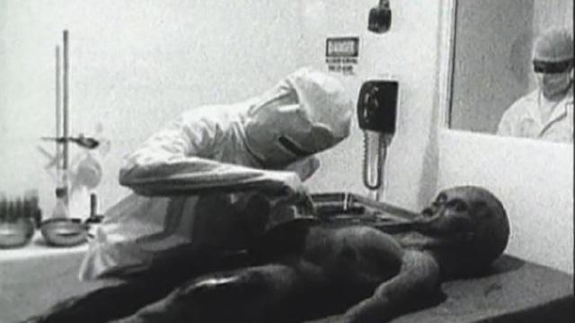 Video khám nghiệm tử thi người ngoài hành tinh ở Roswell là có thật? - 1
