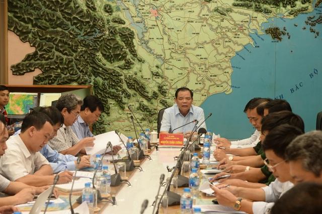 Sáng mai bão vào Quảng Ninh - Ninh Bình, hơn 1.600 du khách vẫn mắc ở Cô Tô - 1
