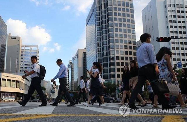 Hàn Quốc mở rộng áp dụng chế độ tuần làm việc tối đa 52 giờ - 1