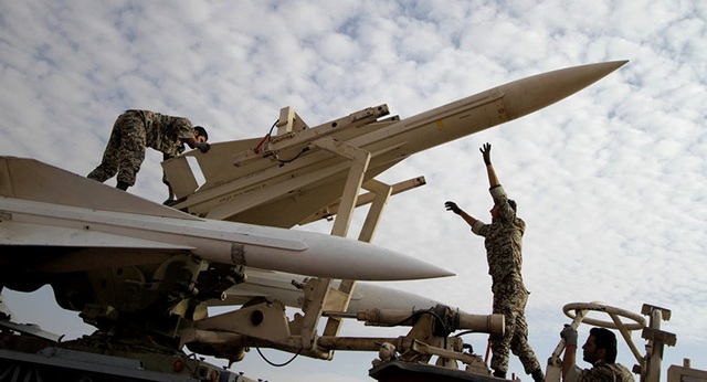 Tehran nói Mỹ sợ sức mạnh quân sự của Iran - 1