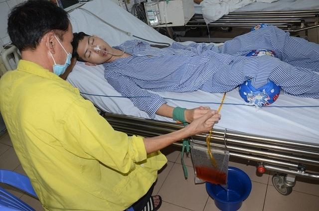 Xót xa cảnh người cha y sĩ quân đội kêu cứu cho con trai bị bệnh lao màng não - 5
