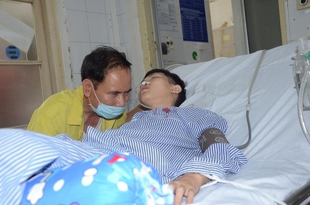 Xót xa cảnh người cha y sĩ quân đội kêu cứu cho con trai bị bệnh lao màng não - 8