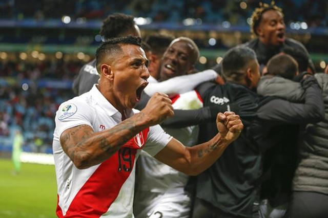 Thắng sốc Chile 3 bàn, Peru gặp Brazil ở chung kết Copa Americia - 1