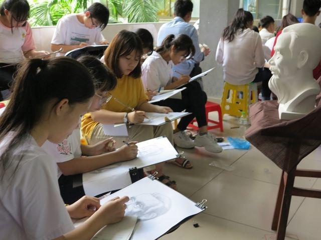 Trường ĐH Sư phạm Kỹ thuật TP.HCM công bố kết quả thi năng khiếu - 1