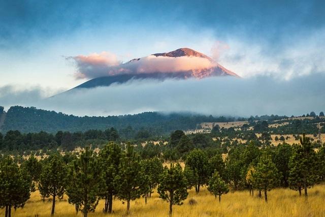 Những ngọn núi lửa cao nhất thế giới - 5