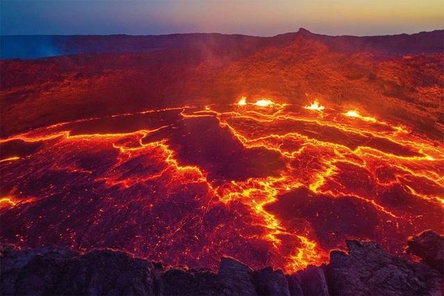 Những ngọn núi lửa cao nhất thế giới - 8