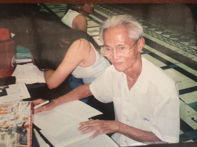 Cụ ông 89 tuổi gần 30 năm đạp xe đi viết thư thuê ở bưu điện Sài Gòn - 2