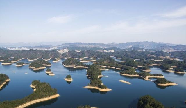 Thành phố cổ đại dưới đáy hồ suốt nghìn năm còn vẹn nguyên - 1