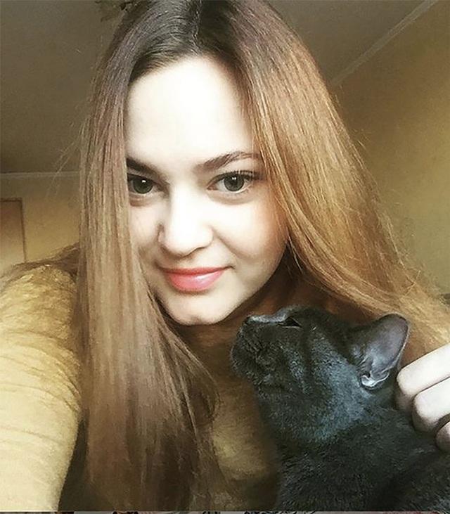 Nữ công chức Nga mất việc vì chụp ảnh cho tạp chí Playboy - 1