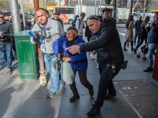 """Thành phố Australia """"tuyên chiến"""" với nạn ăn xin giả nghi từ Trung Quốc - 1"""