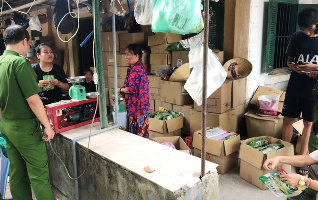 Hàng tấn phân bón giả suýt tung ra thị trường - 1