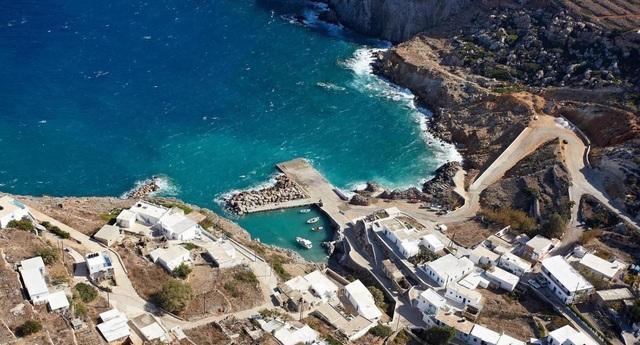 Cấp đất miễn phí, tặng 13 triệu/tháng cho người đến sống ở đảo này - 3