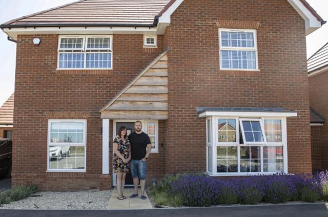 Sốc khi phát hiện hơn 400 lỗi trong căn nhà hơn 11 tỉ đồng vừa mới mua - 1