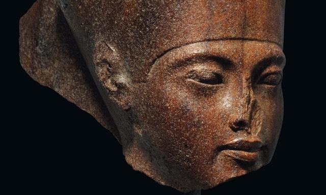 Bức tượng 3.000 năm tuổi được rao bán với giá 4,7 triệu Bảng - 1