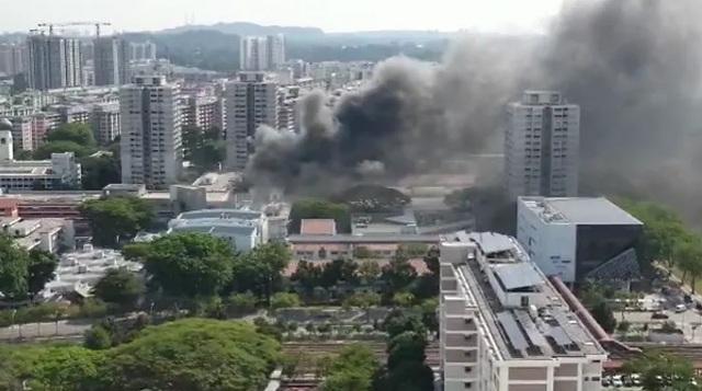 Cháy lớn ở Singapore, 8 người nhập viện - 3