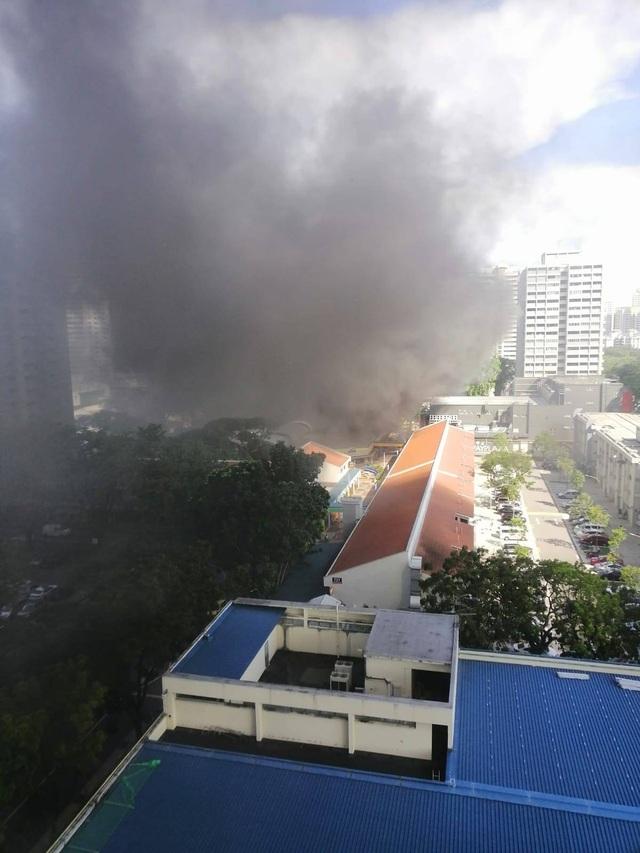 Cháy lớn ở Singapore, 8 người nhập viện - 2