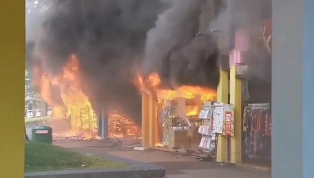 Cháy lớn ở Singapore, 8 người nhập viện - 1